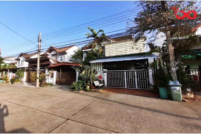 บ้านแฝด 2ชั้น หมู่บ้านป.ธนานิเวศน์ ถนนเสนานิคม1 แยก 28