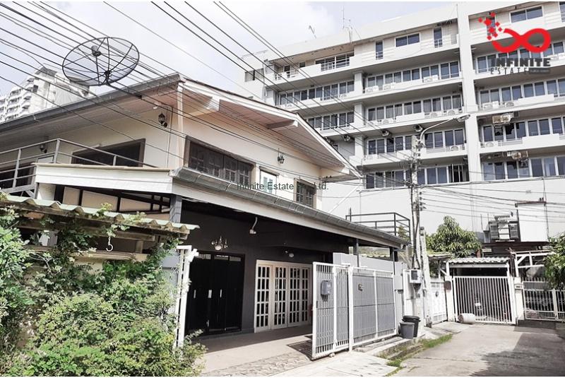 บ้านเดี่ยว 2 ชั้น ซอยลาดพร้าว1 แยก15-2 ใกล้รถไฟฟ้า MRT ลาดพร้าว