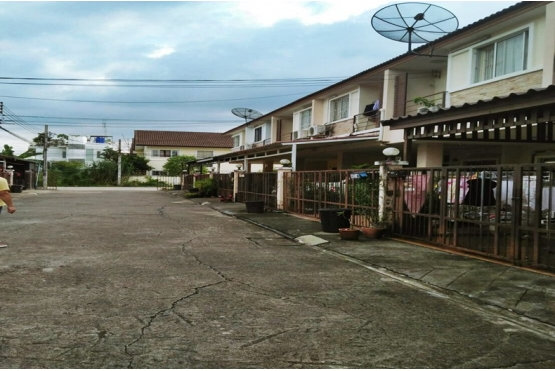 81397, ขายทาวน์โฮม หมู่บ้านจามจุรี พาร์ค รามอินทรา ถนนสุขาภิบาล 5 หลังริม